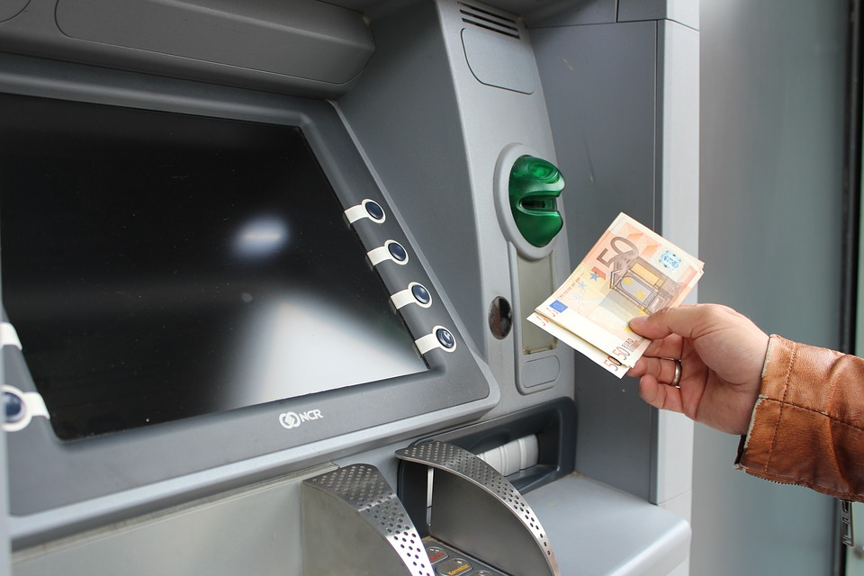 eura z bankomatu