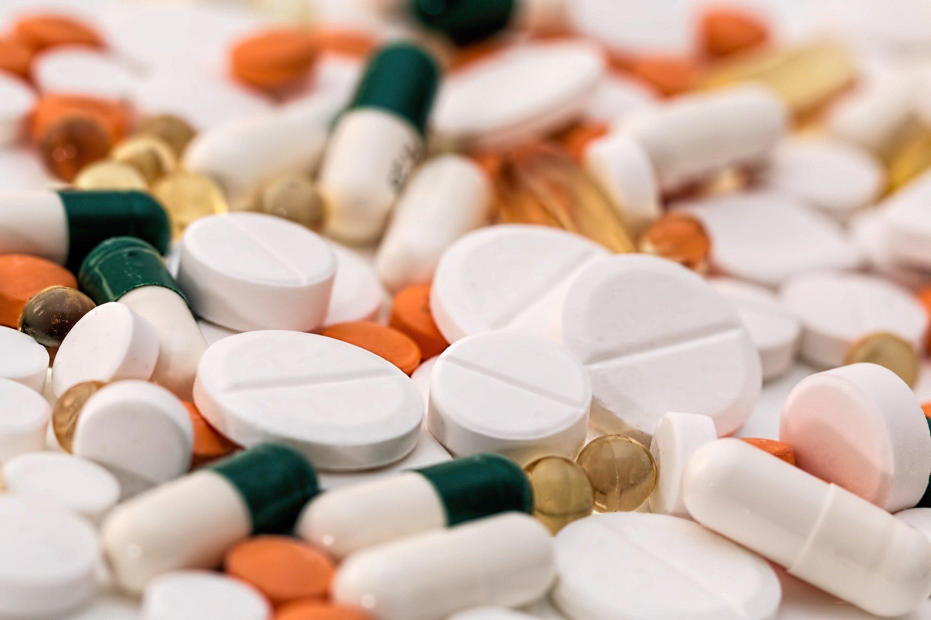 různé pilulky